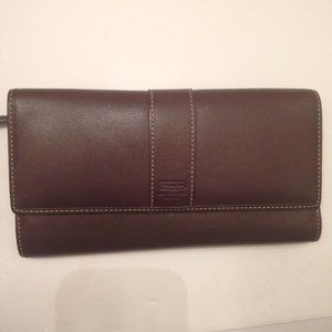 COACH VINTAGE BROWN LEATHER CHECKBOOK WALLET